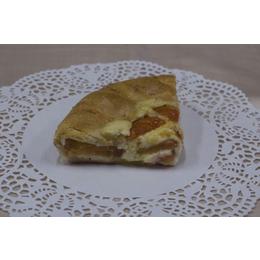 Грузинский пирог с томатами и сыром