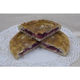 Постный классический пирог с ежевикой и яблоком